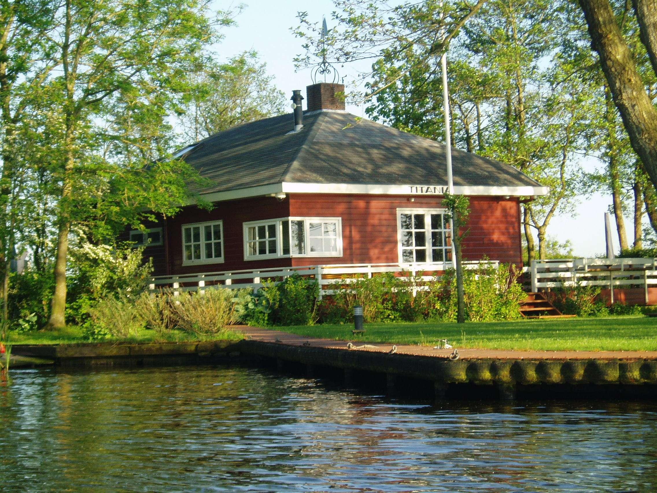 Vakantiewoningen friesland for Huizen te koop friesland
